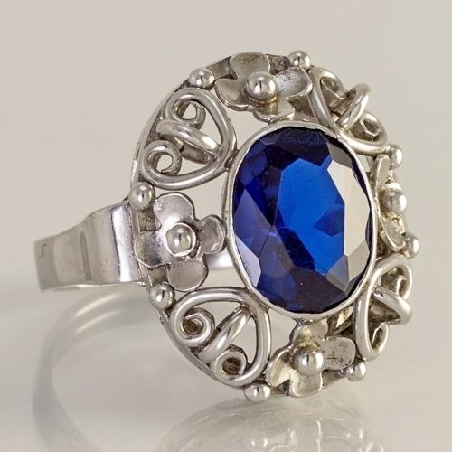 stribrny-prsten-1